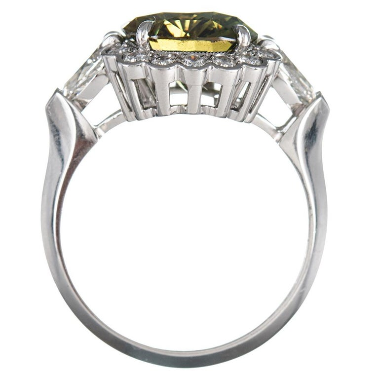 Women's 5.10 Carat Alexandrite and Diamond Ring For Sale