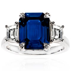5.12 Carat Madagascan Sapphire and Trapezoid Diamond Ring in 18 Carat White Gold
