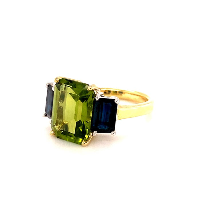 5.12 Carat Peridot and Sapphire White and Yellow Gold 3-Stone Cocktail Ring For Sale 2