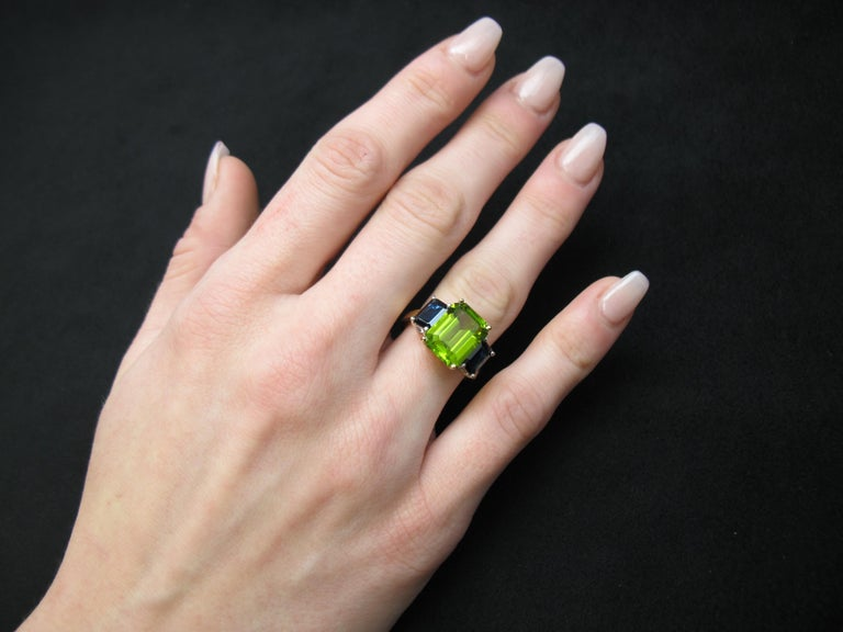 5.12 Carat Peridot and Sapphire White and Yellow Gold 3-Stone Cocktail Ring For Sale 3