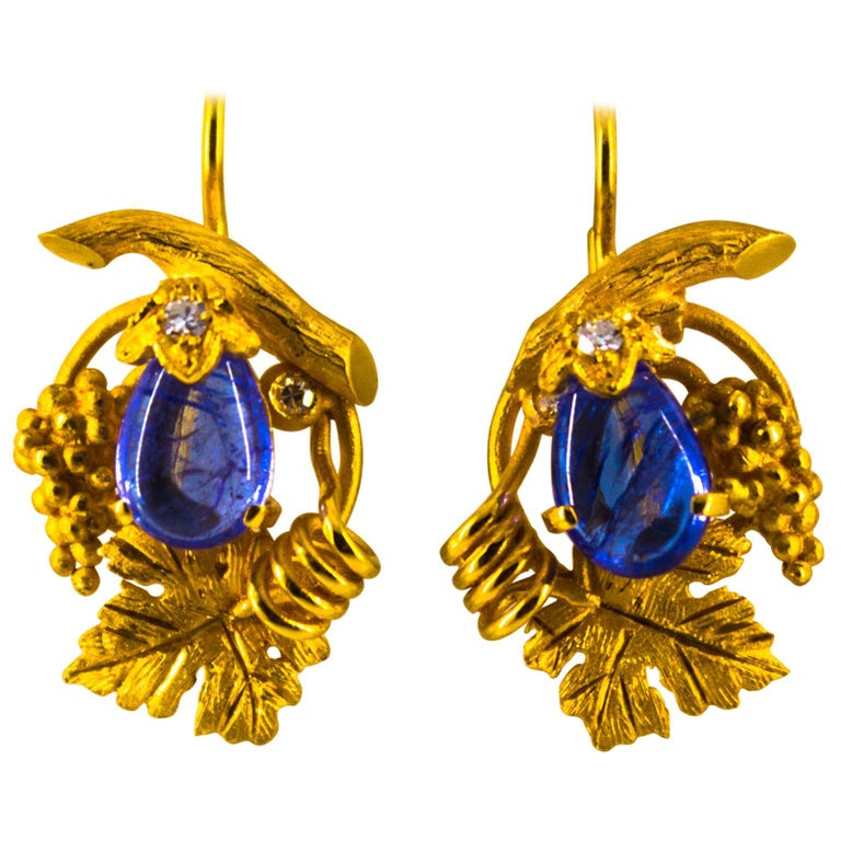 5.12 Carat White Diamond Tanzanite Yellow Gold Lever-Back Earrings For Sale