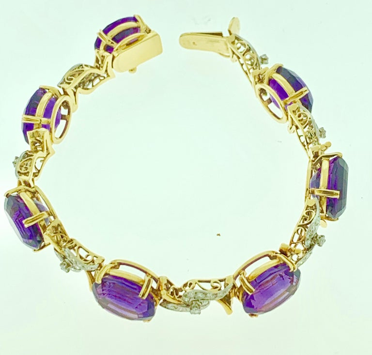 Women's 52 Carat Oval Amethyst and Diamond Bracelet in 18 Karat Yellow Gold For Sale