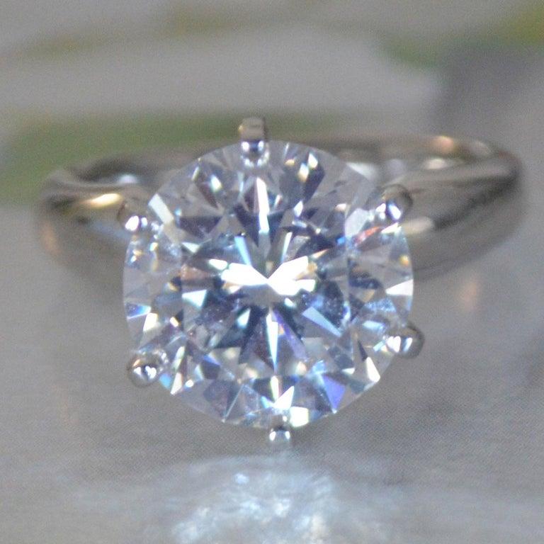 5 2 Carat Round Diamond Ring Set In Platinum K Color Vs2