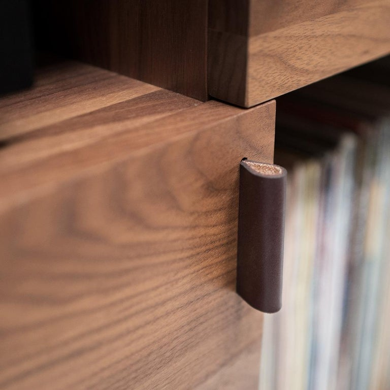 Leather Unison for Sonos Vinyl Record Storage Stand in Natural Walnut For Sale