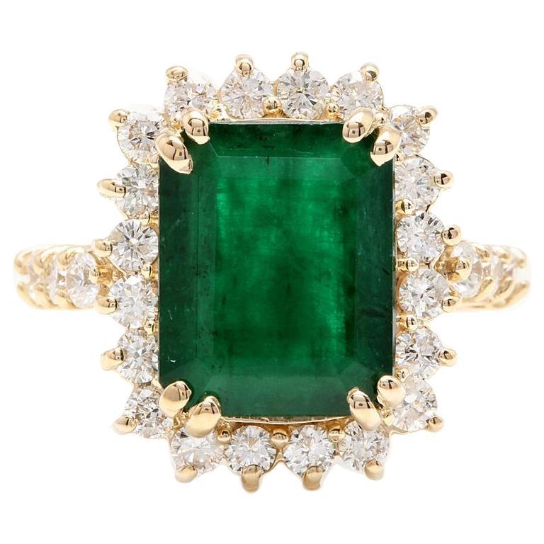 5.20 Carat Natural Emerald and Diamond 14 Karat Solid Yellow Gold Ring