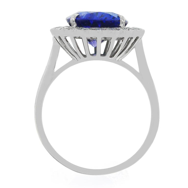 Round Cut 5.20 Carat Tanzanite Ring For Sale
