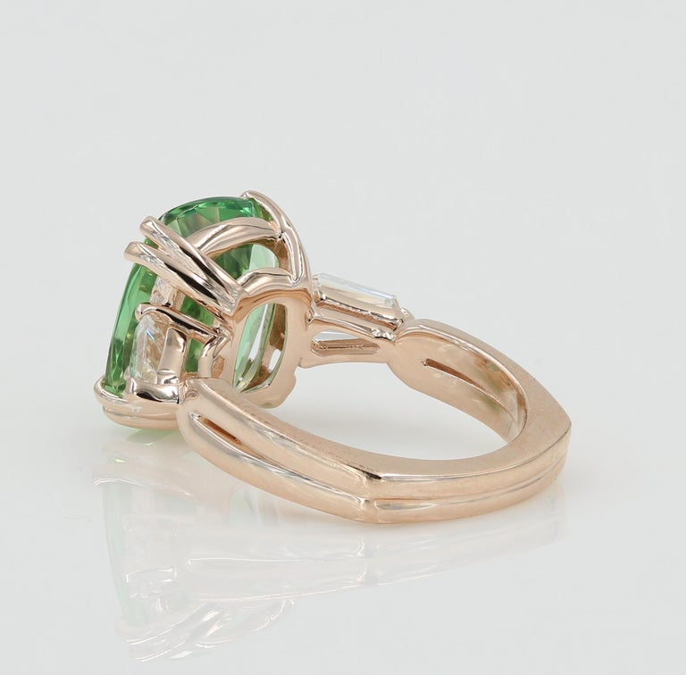 5.22 Carat Green Beryl and Diamond Ring in Rose Gold In New Condition For Sale In Chicago, IL