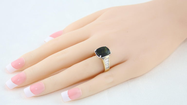 Contemporary 5.23 Carat Cushion Green Tourmaline Diamond Baguette Gold Ring For Sale