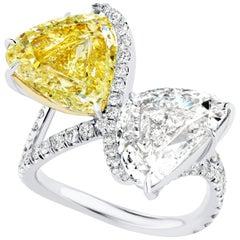 5.25 Carat Triangular Shaped Yellow and White Diamond Two-Stone Toi et Moi Ring