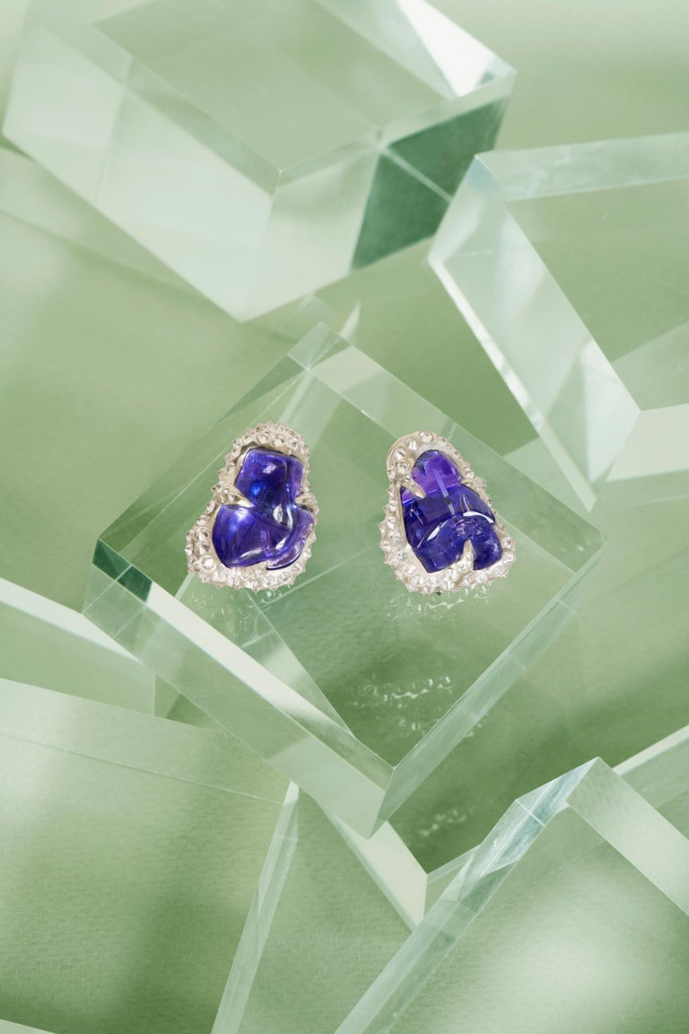 52.580 carats Tanzanite Tumble Diamond 18K White Gold Clip On Earrings For Sale 4