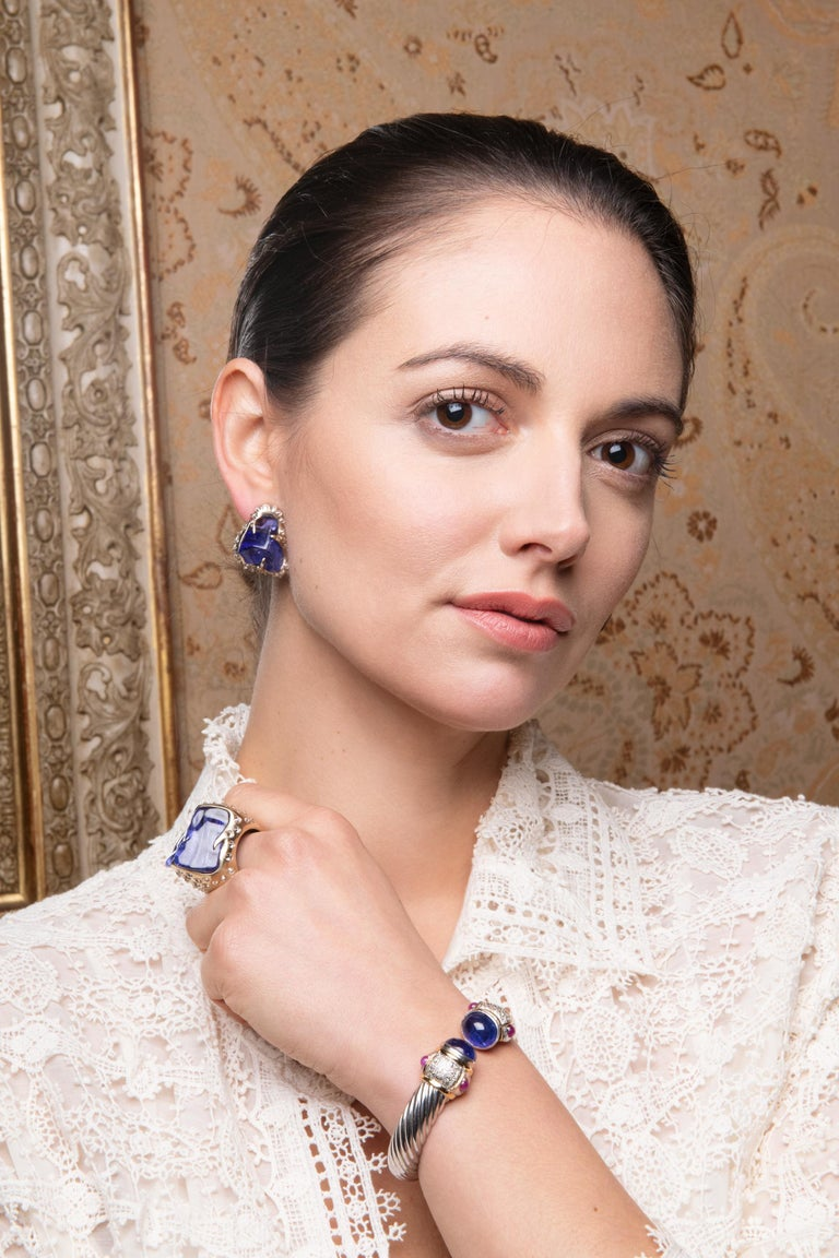 Contemporary  52.580 carats Tanzanite Tumble Diamond 18K White Gold Clip On Earrings For Sale