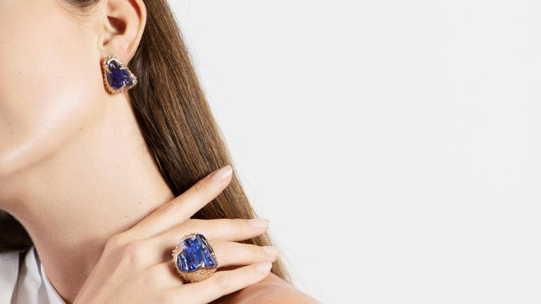 Round Cut  52.580 carats Tanzanite Tumble Diamond 18K White Gold Clip On Earrings For Sale