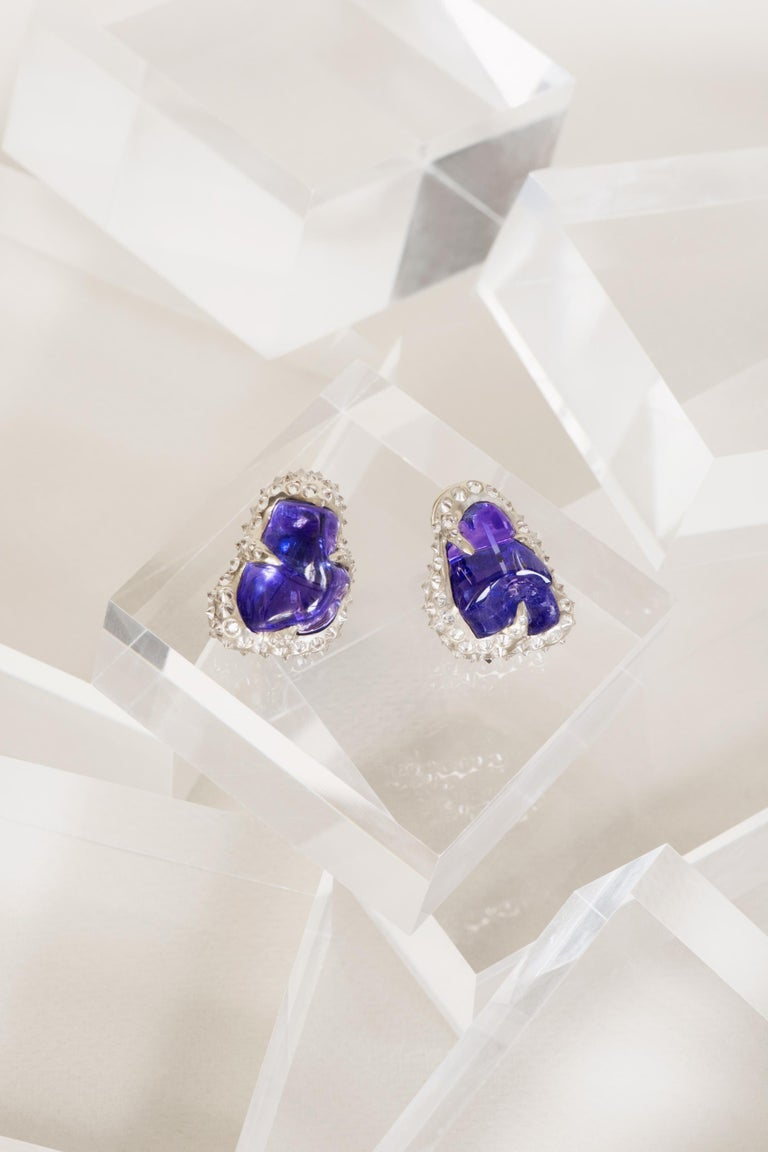52.580 carats Tanzanite Tumble Diamond 18K White Gold Clip On Earrings For Sale 3