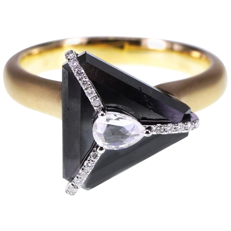 5.28 Carat Diamond Crowned with White Diamond 18K Gold Head Turner Ring