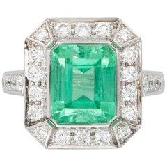 5.28 Ct No-oil Russian Emerald White Diamond 18 Karat Gold Fashion Cocktail Ring