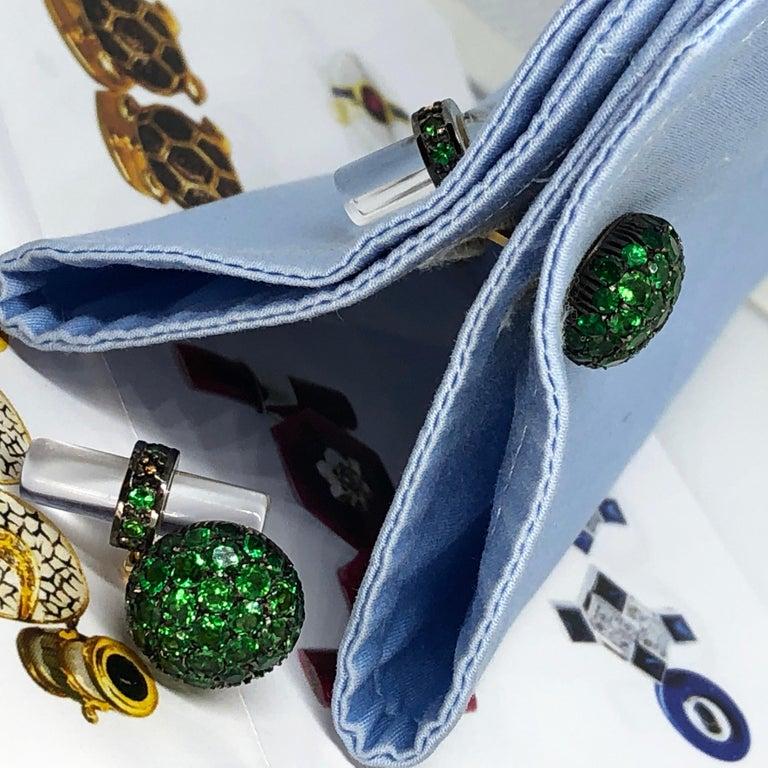 5.28 Carat Tsavorite 18Kt Black Yellow Gold Rock Crystal Baton Back Cufflinks For Sale 7