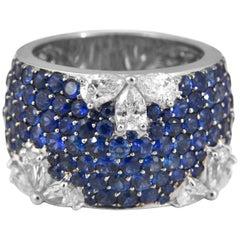 Ring aus 18 Karat Gold mit 5,29 Karat blauem Saphir und Diamanten