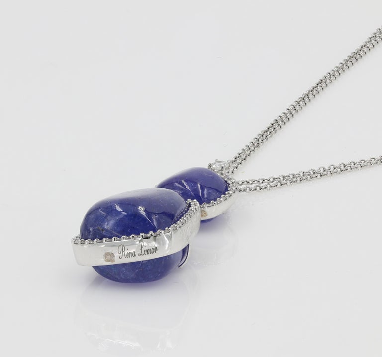 52 Carat Tanzanite Cabochon Cuts and Round Diamond Necklace In New Condition For Sale In Chicago, IL
