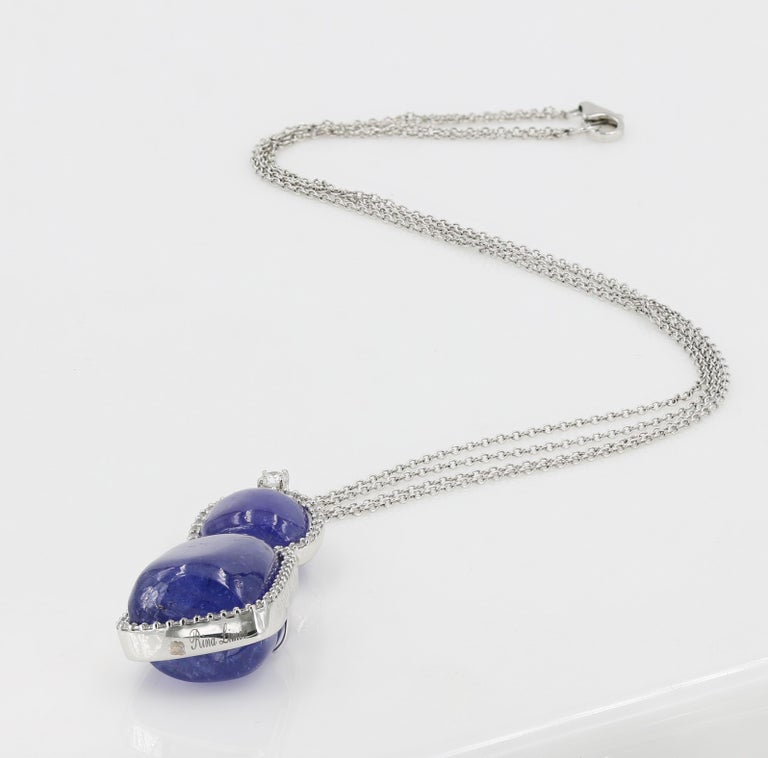 52 Carat Tanzanite Cabochon Cuts and Round Diamond Necklace For Sale 1