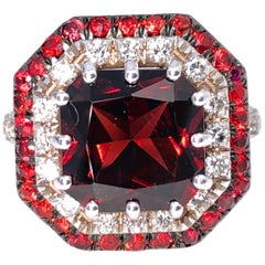 Berca 5.30 Kt Natural Red Spessartine Ruby White Diamond Setting Cocktail Ring