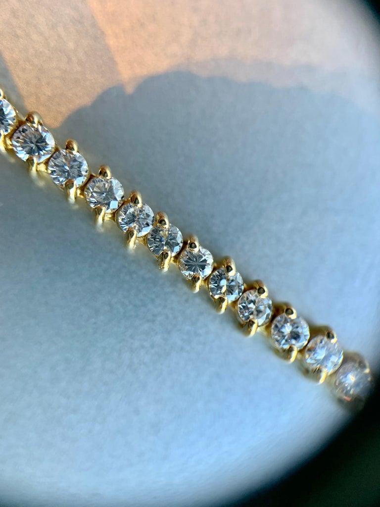 Round Cut 5.30 Carat TW Diamond Tennis Necklace 18 Karat Gold For Sale