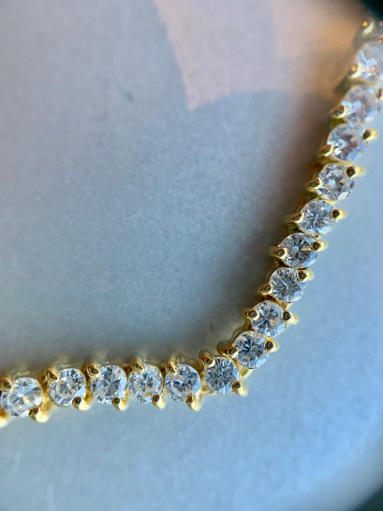 5.30 Carat TW Diamond Tennis Necklace 18 Karat Gold In Good Condition For Sale In Pikesville, MD