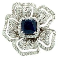 5.30 Ct Sapphire & Diamond Flower Motif Ring in 18kt White Gold
