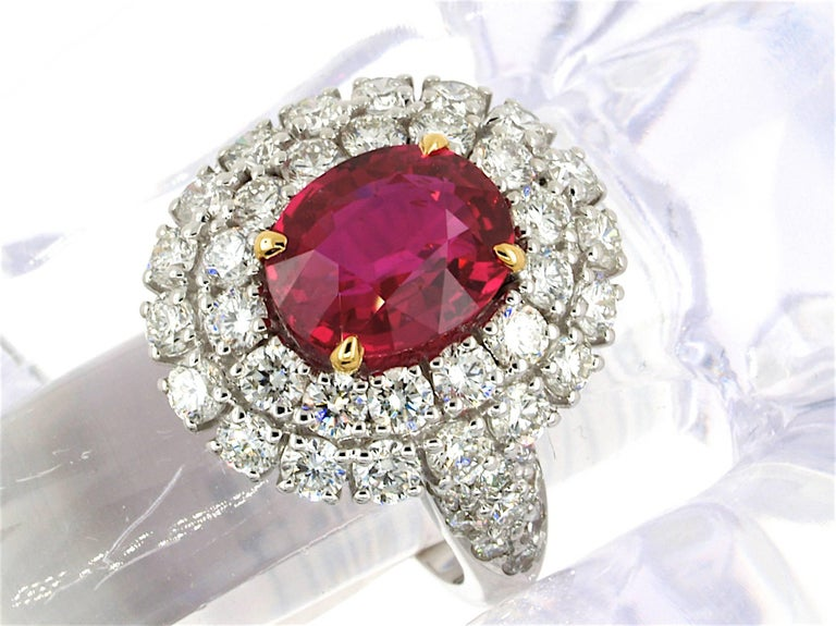5.31 Carat GRS Certified Unheated Red Ruby and Diamond Ring In As new Condition For Sale In Grenoble, FR