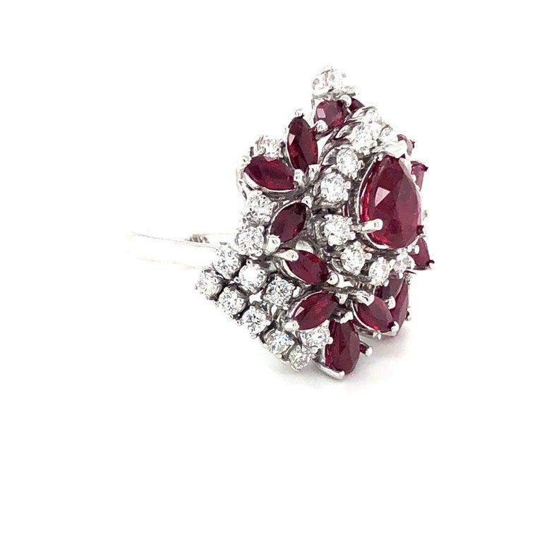 Women's or Men's 5.35 Carat Ruby and Diamonds Ring 18 Karat Gold For Sale