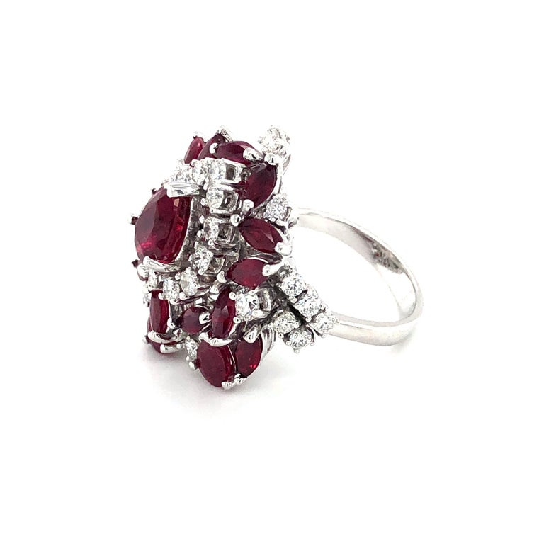 5.35 Carat Ruby and Diamonds Ring 18 Karat Gold For Sale 1