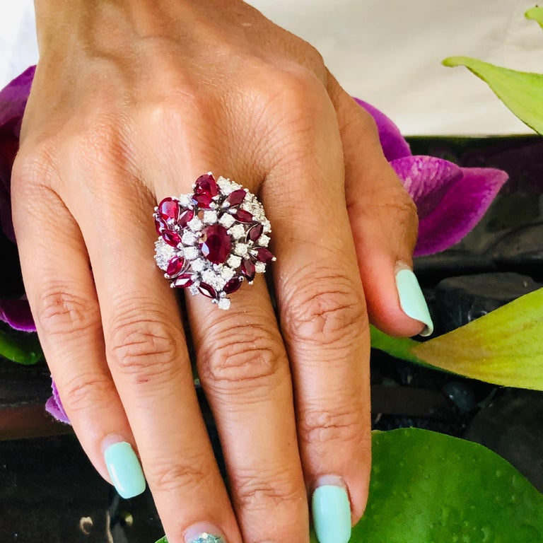 5.35 Carat Ruby and Diamonds Ring 18 Karat Gold For Sale 4