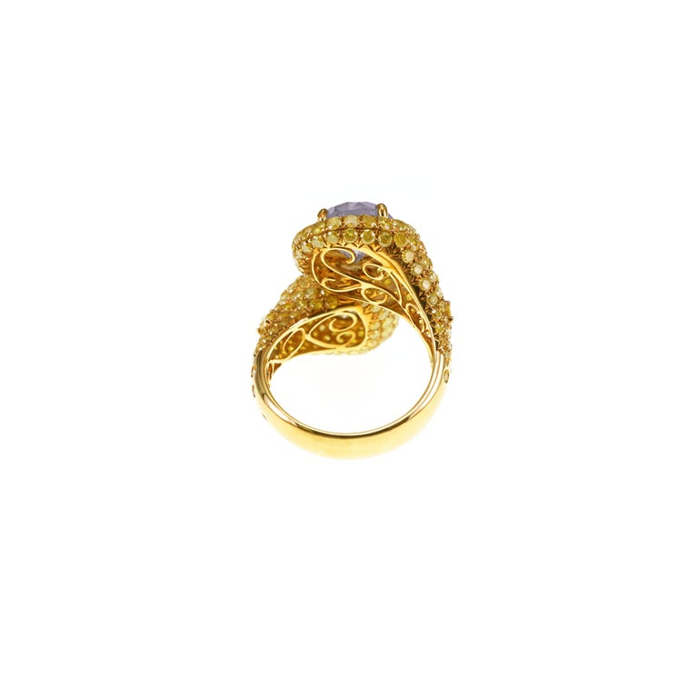 5.4 Carat Fancy White Fancy Brown Pair YOU AND ME 18k Gold Wedding Ring In New Condition For Sale In Hung Hom, HK