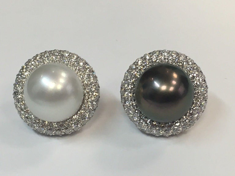 Women's 5.40 Carat Natural Diamond and Black Tahitian and South Sea Pearl Gold Earrings For Sale