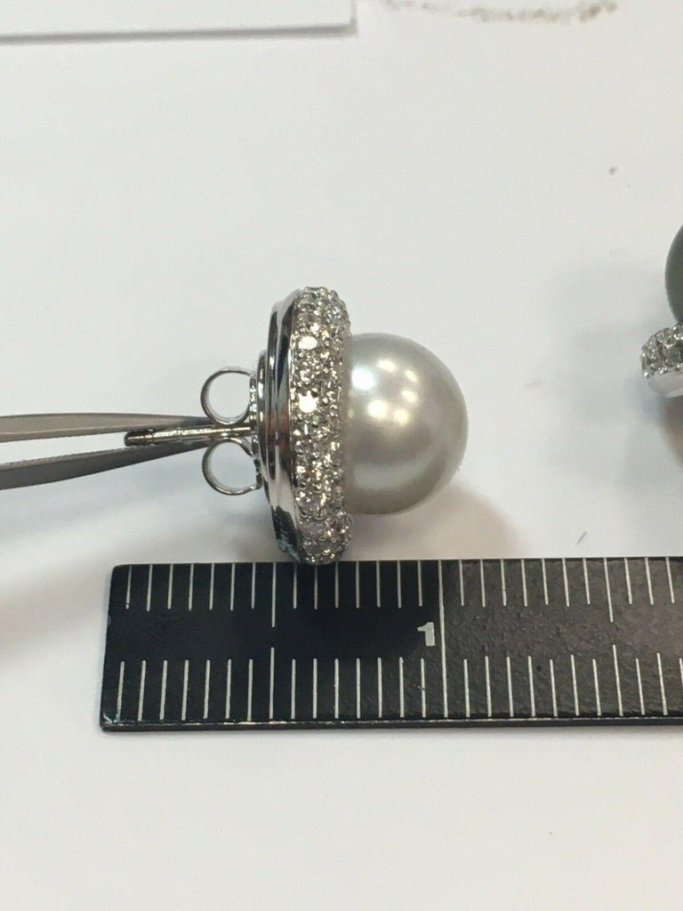 5.40 Carat Natural Diamond and Black Tahitian and South Sea Pearl Gold Earrings For Sale 2