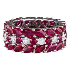 5.40 Carat Ruby Ring with Diamonds 18 Karat Gold