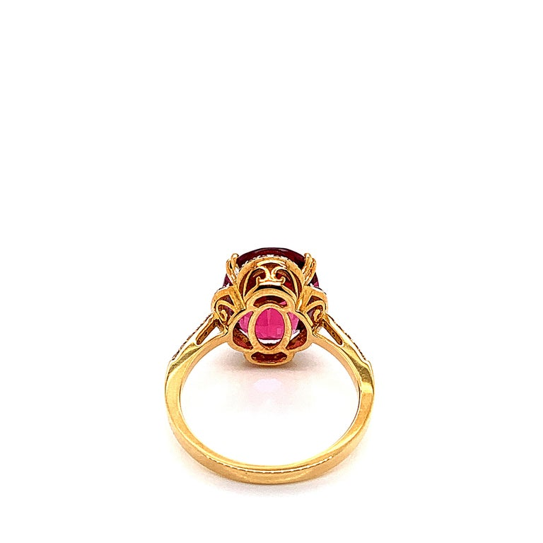 5.42 Carat Oval Shaped Rubelite Ring in 18 Karat Yellow Gold with Diamonds In New Condition For Sale In Hong Kong, Kowloon