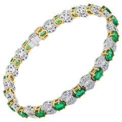 5.49 Carat Emerald and Diamond Yellow and White Gold Modern Bracelet