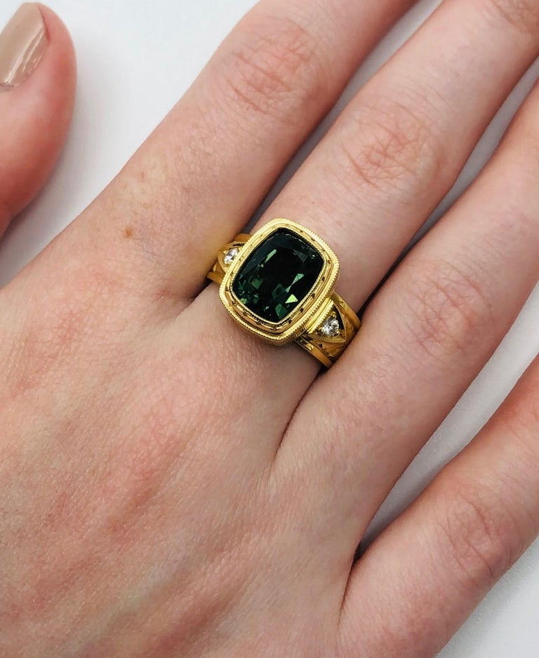 Women's or Men's 5.49 ct. Green Tourmaline, Diamond, Yellow Gold Bezel Engraved Band Ring For Sale
