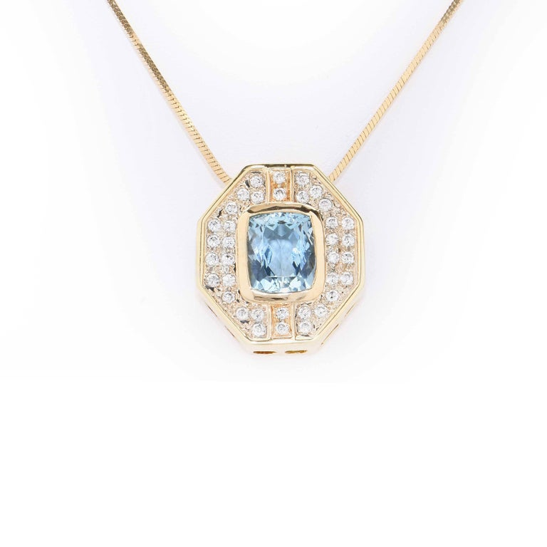 5.5 Carat Aquamarine & Diamond Gold Pendant Necklace In Excellent Condition For Sale In Coral Gables, FL