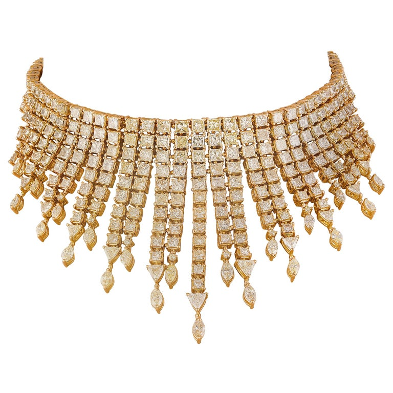 55 Carat Yellow Diamond Necklace in 18 Karat Yellow Gold For Sale