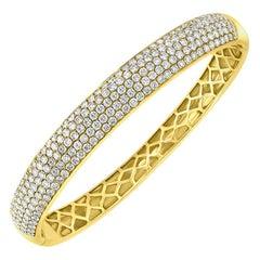 5.5 Ct Diamond Metro Women 18 Kt Yellow Gold 5-Row Diamond Pave Bangle Bracelet