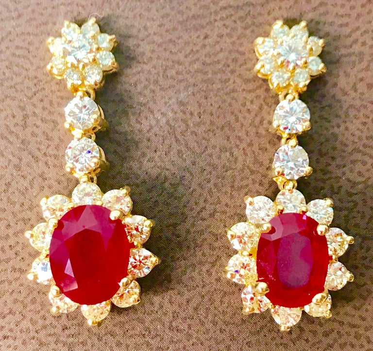 5.5 Carat Ruby and 5 Carat Diamond Hanging or Chandelier Earrings 18 Karat Gold In Excellent Condition For Sale In New York, NY