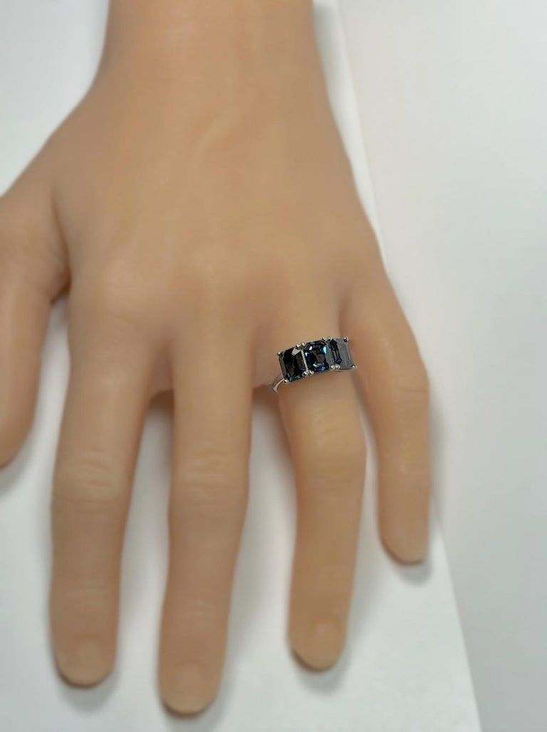 5.50 Carat Blue Natural Sapphire Three-Stone Wedding Ring White Gold For Sale 4
