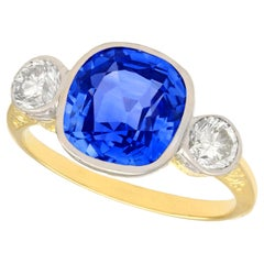 5.50 Carat Ceylon Sapphire and Diamond Yellow Gold Cocktail Ring