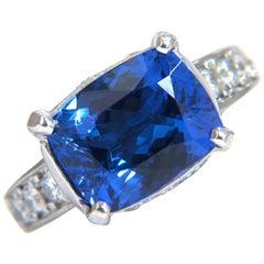 5.50 Carat Natural Cushion Sparkling Blue Tanzanite Diamonds Ring 14 Karat
