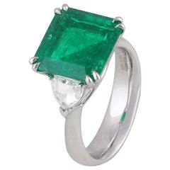 Studio Rêves 5.51 Carat Emerald and Trillion Rose Cut Diamond Ring