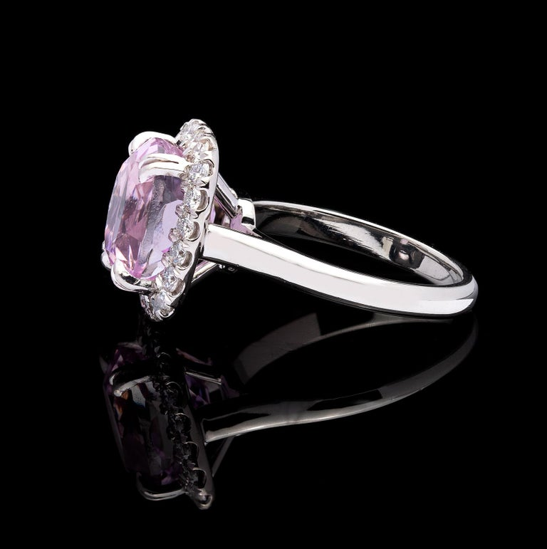 Oval Cut 5.53 Carat Kunzite and Diamond Ring For Sale