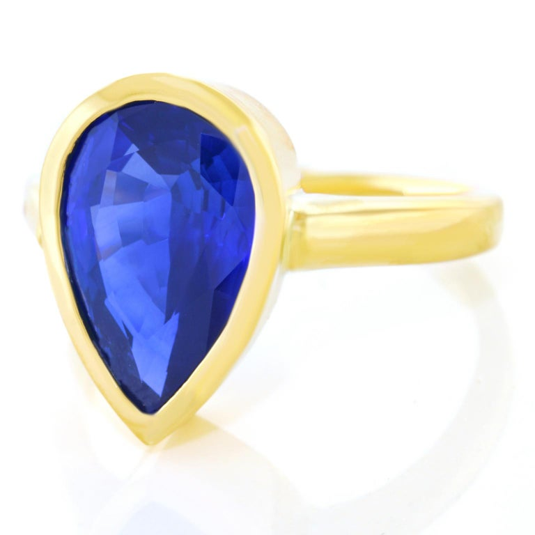 5.54 Carat Pear Shaped Sapphire Ring In Excellent Condition For Sale In Litchfield, CT
