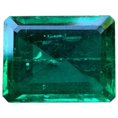 5.57 Carat Colombian Muzo Emerald with Insignificant Oil and AGL Certification
