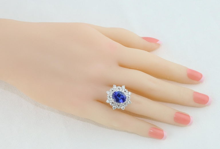 Oval Cut 5.58 Carat Oval Tanzanite Diamond Cocktail Gold Ring For Sale